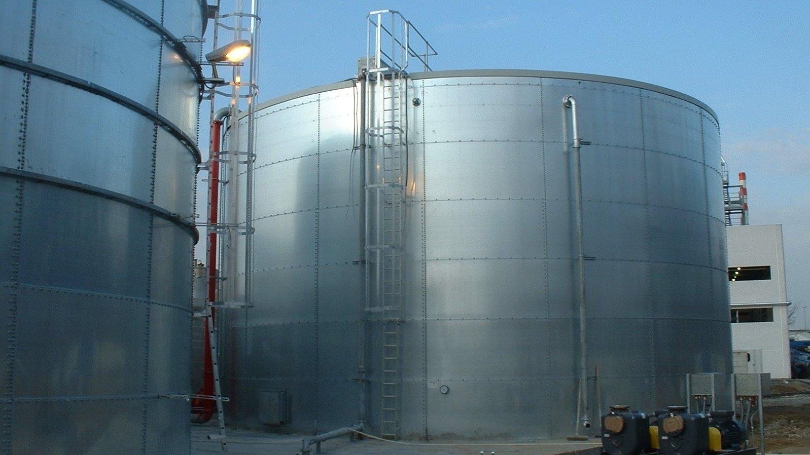 стерильный резервуар с водой