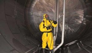 проведение чистки нефтяного резервуара